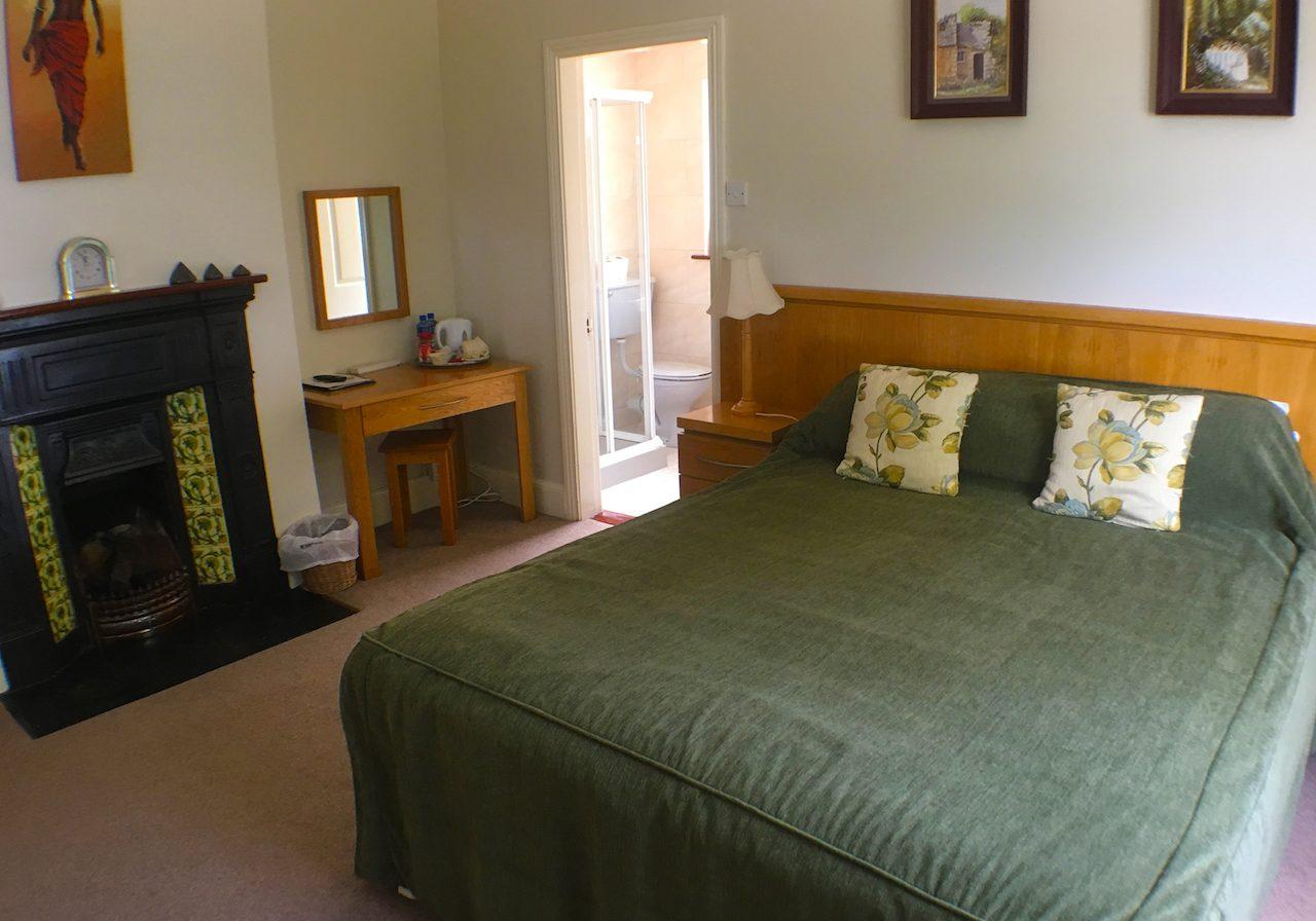 gal-bedroom-2